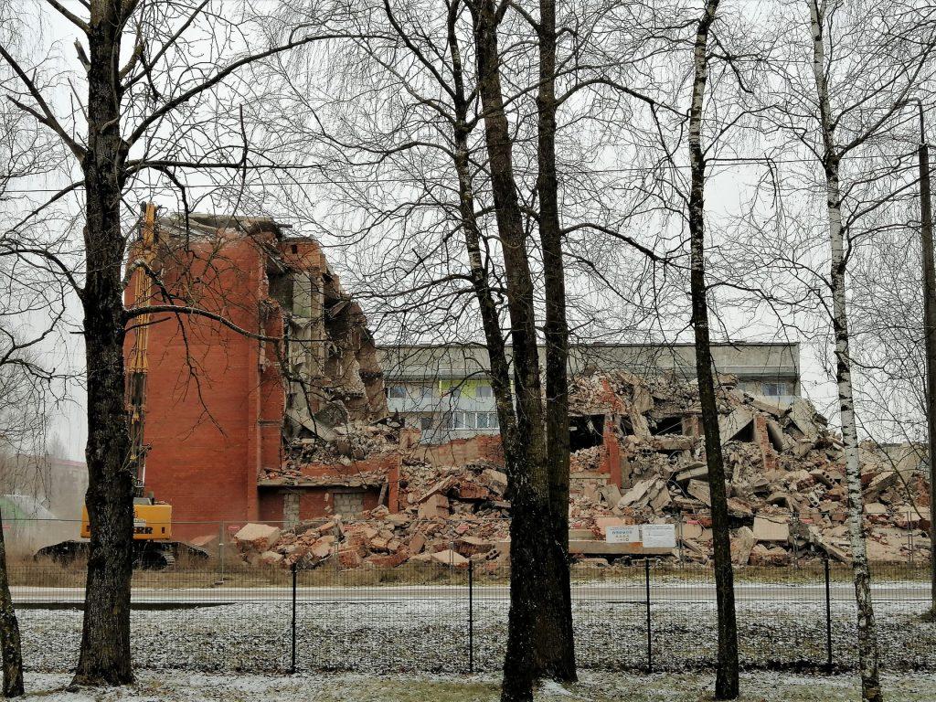 Jēkabpils 3. vidusskolas apkārtnē gruveši2